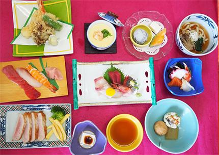 宴会は3,000円から、法事は4,000円からメニューが御座います。写真は5,000円(税抜き)のお料理になります。